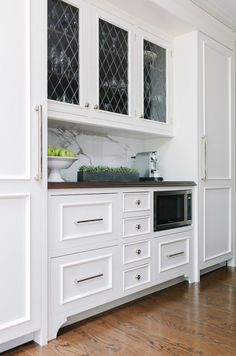 Kitchen Microwave. Where to place microwave in kitchen cabinet. #Kitchen #Microwave  Jean Stoffer Design.