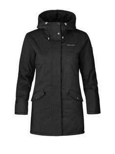 Čierna bunda na zimu Nunki Parkas od Röhnisch. Je pohodlná a teplá. Nájdete ju v našej ponuke tu: http://bit.ly/1McNJ06.