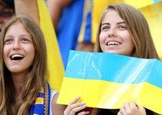 http://www.record.xl.pt/multimedia/fotogalerias/detalhe/ucrania-despede-se-do-euro-sem-golos-mas-sorridente.html