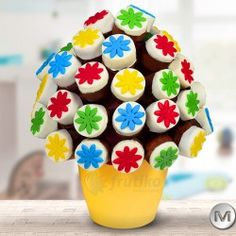 Children Cake is combination of delicious muffins and quality chocolate #healthygift #cakeflowers #frutiko #yummyflower