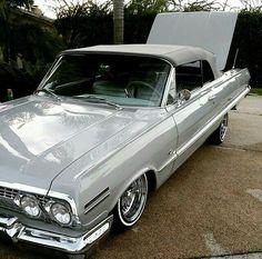 64 Impala Lowrider, Lowrider Art, Chevrolet Impala, General Motors Cars, Wheels On The Bus, Old School Cars, Amazing Cars, Old Cars, Luxury Cars