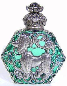 Perfume Bottles (Page Wholesale Perfume Bottles, Perfume Atomizer, Antique Perfume Bottles, Vintage Bottles, Beautiful Perfume, Objet D'art, Parfum Spray, Bottle Art, Antique Glass