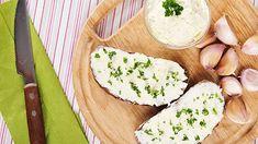 Bezkonkurenční česneková pomazánka - Proženy Pesto, Camembert Cheese, Dairy, Food, Spreads, Meal, Essen, Hoods, Meals