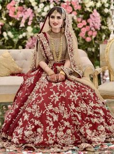 New Photo Red Gold Embroidered Omorose Pakistani Wedding Lehenga Thoughts Beautiful Wedding Dresses ! The present wedding dresses 2019 contains a dozen different dresses in t Bridal Mehndi Dresses, Asian Bridal Dresses, Pakistani Bridal Makeup, Asian Wedding Dress, Pakistani Wedding Outfits, Indian Bridal Outfits, Bridal Dress Design, Pakistani Wedding Dresses, Indian Dresses