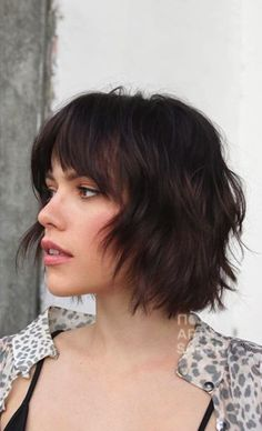 Blunt bobs have been all the rage, but we're also into a shaggier way of shearing this year. Add wispy bangs, and you're set with a statement-making cut. - 18 Short Hairstyles to Try in 2020 Short Hair With Bangs, Short Hair Cuts, Wispy Bangs, Hair Bangs, Short Bob Bangs, Short Hairstyles With Bangs, Blunt Bob With Bangs, Trendy Hairstyles, Layered Bob Bangs