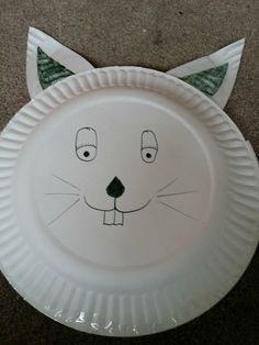 Paper Plate Craft - DIY paper animals (perfect for birthdays, zoo unit studies, Easter, and more) Crafts To Do, Kids Crafts, Arts And Crafts, Paper Plate Crafts, Paper Plates, Paper Plate Basket, Paper Plate Animals, Unit Studies, Easter Baskets