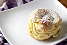Italian Cream Puffs with Custard Filling (St. Joseph's Day Pastries) Italian Desserts, Just Desserts, Italian Recipes, Dessert Recipes, Italian Pastries, Croatian Recipes, Gourmet Desserts, French Pastries, Italian Dishes