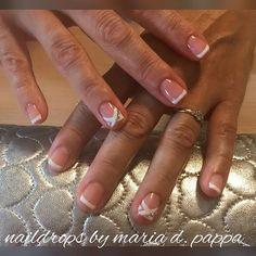 #manicure #frenchmanicure #strassnails