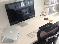 "13"" MacBook Air, 27"" Apple Thunderbolt Display, Ergohuman v2 chair and Rain Design mStand."