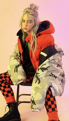 The Trademarks of Billie Eilish Style: Get the Look! - Style in the Way The Trademarks of Billie Eilish Style: Get the Look! – Style in the Way The Trademarks of Billie Eilish Style: Get the Look! – Style in the Way Billie Eilish, Selena Gomez Outfits, Kendall Jenner Outfits, Poses, Quotes Pink, Urban Outfitters, Videos Instagram, Film Disney, Doja Cat