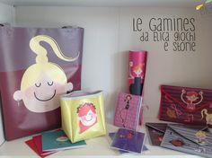 """Borse e accessori per bambine e mamme, con illustrazioni """"Gamines"""" di Marta Comini."""
