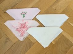 Vintage handkerchiefs hankerchiefs 4 hankies by TheLittleIrishShop Vintage Clothing, Vintage Outfits, Wedding Bride, Wedding Day, Vintage Handkerchiefs, White Embroidery, Something Old, Sentimental Gifts, Bride Gifts