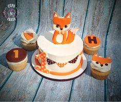 Fox cake and cupcakes