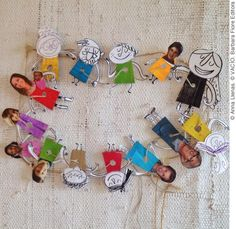 """Guirnalda de personajes a partir del libro """"VACÍO"""". Construye la tuya con los personajes del libro y agrégale fotos de tu familia y amigos para estar juntos en estas fechas. Si quieres que te mande la Plantilla de Personajes Recortables para hacer tu propia guirnalda, mándame un mail solicitándola a: cursosytalleres@annallenas.com English Activities, Activities For Kids, Crafts For Kids, Arts And Crafts, Preschool Books, Preschool Kindergarten, Del Conte, Cut Paper Illustration, Shrink Art"""