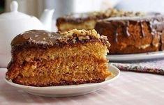 Honey Walnut Cake with Dulche de Leche Russian Desserts, Russian Recipes, Sweet Recipes, Cake Recipes, Dessert Recipes, Kolaci I Torte, Easy Banana Bread, Honey Cake, Biscuit Cake