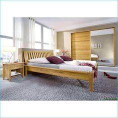 Schlafzimmer Komplett Schlafzimmer Komplett Mit Boxspringbett Ein Dichtes Bett Belag Auf Palettenbet In 2020 Schlafzimmer Design Schlafzimmer Einrichten Schlafzimmer