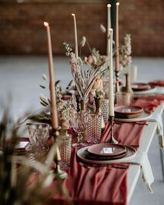 rustic table setting perfect for entertaining your guests over the fall and winter season.Warm rustic table setting perfect for entertaining your guests over the fall and winter season. Pink Table Decorations, Decoration Evenementielle, Bridal Shower Decorations, Wedding Decorations, Wedding Ideas, Decor Wedding, Centerpiece Ideas, Wedding Mandap, Stage Decorations