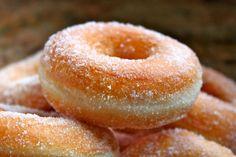 Perfect yeast doughnut recipe ever sugar donut donuts - Donut recipes Dunkin' Donuts, Yeast Donuts, Doughnut Muffins, Beignets, Basic Donut Recipe, Classic Doughnut Recipe, Doughnut Recipe Without Eggs, Vegan Yeast Donut Recipe, Ring Doughnut Recipe