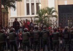 CARACAS, Venezuela—President Nicolás Maduro said a helicopter dropped grenades on the Supreme Court on Tuesday in a terror attack, though opposition figures called his claims a diversion orchestrated to deflect from the government's attempts to neuter state institutions outside its... - #Claims, #Finance, #Heli, #Maduros, #Opposition, #President, #Venezuelan