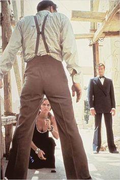 Roger Moore as James Bond, Richard Kiel as Jaws and Barbara Bach as Major Anya Amasova in The Spy Who Loved Me James Bond Party, James Bond Theme, James Bond Movies, Roger Moore, Richard Kiel, James Bond Women, George Lazenby, Bond Series, Spy Who Loved Me