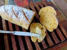 Por uma ironia do destino, o amigo padeiro francês Michel Cirés, que ficou hospedado em minha casa nos últimos dias, não pode comer pão. É...