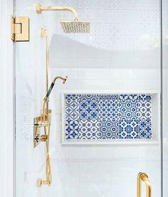 gold + blue + white  #commanderinchic #interiordesign #details #inspiration #TileTuesday #tile #gold #blue #white #brass #bathroom  #Regrann from @alibuddinteriors