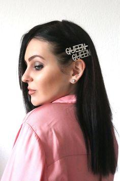 Πιαστρακι μαλλιων Queen - BLUSHGREECE SHOP Hair Accessories, Earrings, Fashion, Ear Rings, Moda, Stud Earrings, Fashion Styles, Ear Piercings, Hair Accessory