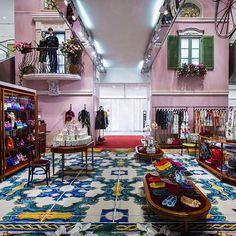 """LE PRINTEMPS,Paris,France, """"Dolce&Gabbana Pop-Up Shop"""", pinned by Ton van der Veer"""