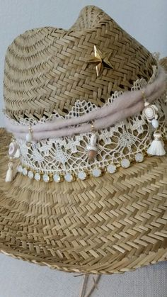 Ibiza hat made by Funnysunny Diy Fashion Projects, Hat Decoration, Fedora Hat Women, Boot Jewelry, Boho Hat, Fabric Earrings, Hat Crafts, Cowgirl Hats, Diy Hat