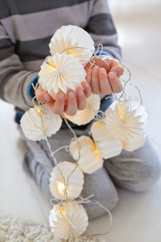 Trzy rzeczy zostały z raju: GWIAZDY, kwiaty i oczy dziecka. - GREEN CANOE