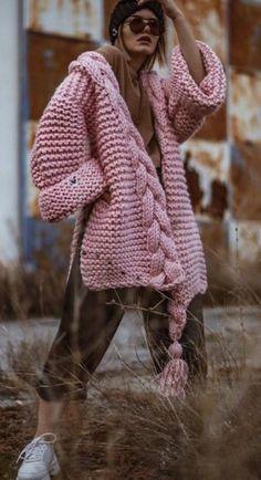 Cardigan Au Crochet, Knit Cardigan Pattern, Chunky Cardigan, Wrap Cardigan, Crochet Shawl, Knit Fashion, Look Fashion, Fashion Outfits, Crochet Patterns Free Women