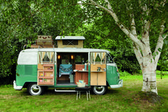 Plan the perfect holiday with a camping caravan – we will give you useful tips for organizing the trip, so you can enjoy your deserved break to the maximum! A camping caravan holiday gives yo… Vw Camper Bus, Volkswagen Camping Car, Vw Caravan, Vw Camping, Glamping, Camping Site, Camper Life, Caravan Shop, Vintage Volkswagen Bus
