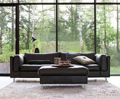 Scanova FRISCO is one of the most popular sofas of Scanova. A modern relax couch in many different fabrics and imitation leathers.