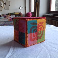 I love boxes and to make them.