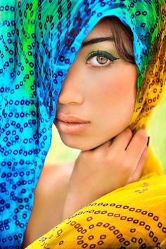 beautiful Eastern block veiled woman with teal eyes Beautiful Eyes, Beautiful People, Most Beautiful, Beautiful Women, Too Faced, Exotic Beauties, People Of The World, Belle Photo, Pretty Face