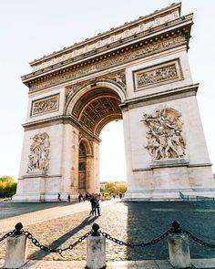 L' Arc de Triomphe, Paris.
