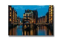 Bezeichnung: 1 Foto auf Acrylglas  mit Alu-Aufhängesystem  Marke: fotografiert und gestaltet von elbvue Material: Acrylglas Fineart Größe: 60 x 40 cm  Motiv: Hamburg Speicherstadt II...
