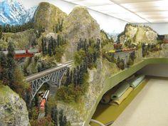 beautiful-scenery-track-planning-model-train-layout