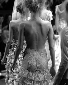 Black and white bare backs - lovely! si doles, doleo #style #photography