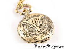 Uggla halsbandsklocka från Becca Design