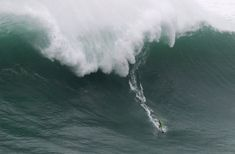 A Big-Wave Great Ponders the Surf After the Wipeout of a Lifetime - NYTimes.com