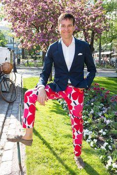 Mika Ihamuotila sai uniikeista housuistaan positiivista palautetta. Crazy Outfits, Cool Outfits, Scandinavian Fabric, Marimekko, Nordic Style, Nordic Fashion, Suit Jacket, My Style, How To Wear