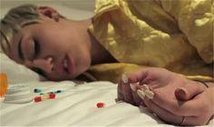 Armario de Noticias: Miley Cyrus aparece drogada y desnuda en videoclip...