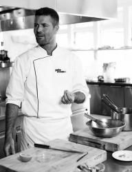 Pete Evans  http://watchfit.com/diet/celebrity/pete-evans-paleo-way/