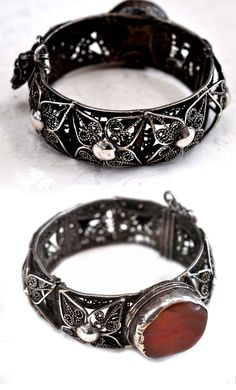 Morocco (or Yemen) | High grade silver filigree bangle with carnelian | Late 19th century | Sourced in Morocco | POR