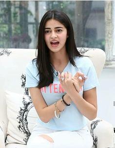 🤔 For more🤗📷 follow🔎 me as Anurag Holkar😎🤵🕺💪👋💘💌💌💥💝❣️ 📸💟 🎈 Beautiful Girl Indian, Beautiful Indian Actress, Beautiful Actresses, Indian Celebrities, Bollywood Celebrities, Teen Actresses, Indian Actresses, Hot Images Of Actress, Deepika Padukone Style