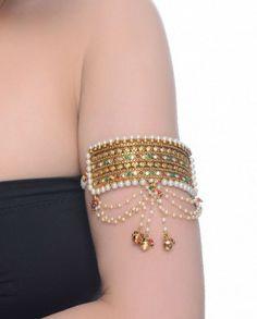 Gold armlet/bajubandh with pearls and gemstones Pakistani Jewelry, Bollywood Jewelry, Indian Jewelry, Vanki Designs Jewellery, Hand Jewelry, Gold Jewellery, Kundan Bangles, Arm Bracelets, Fashion Jewelry