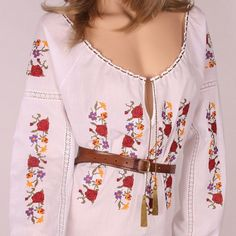 Embroidery On Clothes, Folk Embroidery, Embroidery Stitches, Embroidery Patterns, Going Out, Floral Tops, Bell Sleeve Top, Costumes, Female