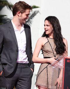 Robert Pattinson and Kristen Stewart :) <3