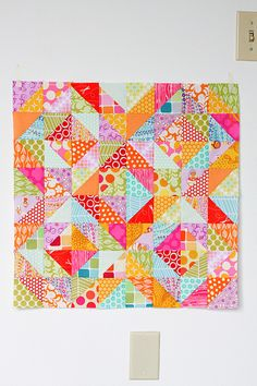 Warm Cool Quilt Along by Jeni Baker, via Flickr Includes tutorial
